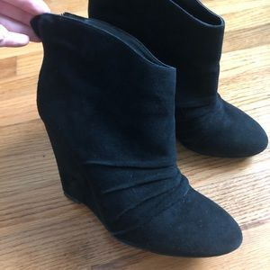 BCBG Black suede leather Ankle boots Size 6B/36